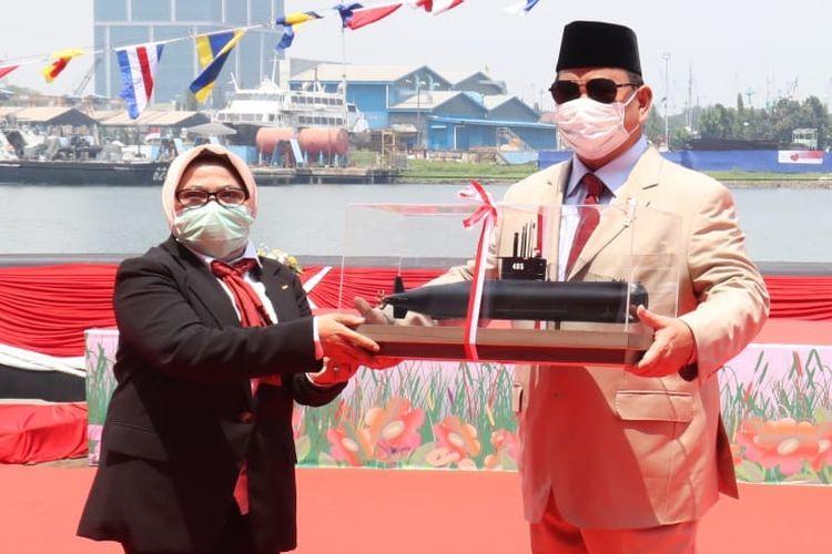 Menhan Prabowo Meresmikan Kapal Selam Alugoro-405 di Surabaya