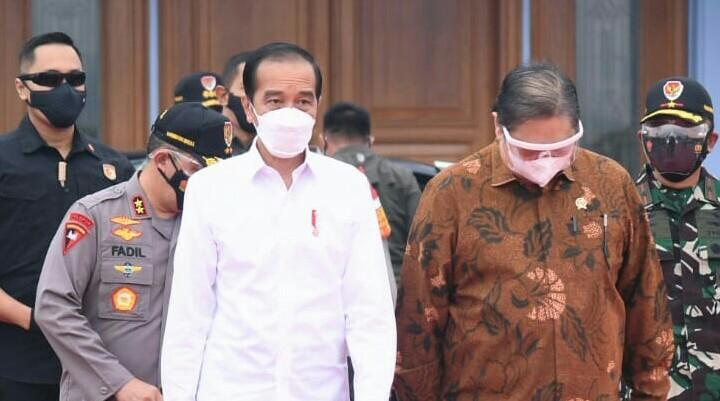 Presiden Jokowi Minta Seluruh Bupati Pantau Program Vaksinasi Dengan Detail