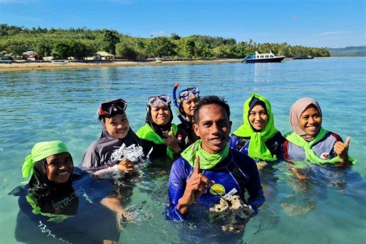 KANAL Maluku Gelar Aksi Peduli Lingkungan Terumbu Karang Rusak