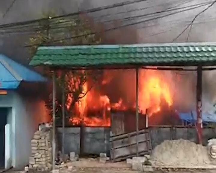 Kebakaran Yang Terjadi di Kudamati Hanguskan Satu Rumah Warga