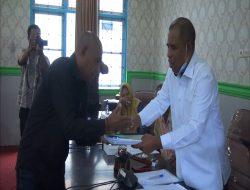 Masyarakat Telutih Baru dan Komisi I DPRD Maluku Tengah Bahas Surat Masuk