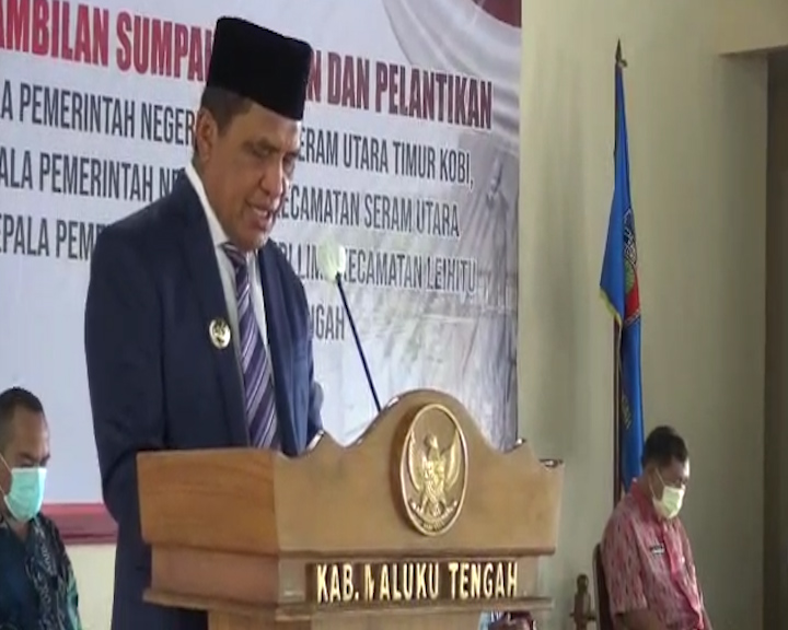 Bupati Maluku Tengah Lantik Tiga Kepala Pemerintah Negeri