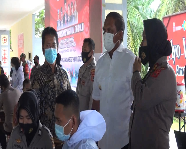 Polres Maluku Tengah Targetkan 750 Orang Divaksin