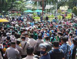 Aksi Demo Tolak Pemberlakuan PPKM Skala Mikro Dilakukan Mahasiswa di Kota Ambon