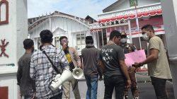 Mahasiswa Gelar Demo di Kejati Maluku Meminta Periksa Proyek Jalan Lingkar Pulau Teor