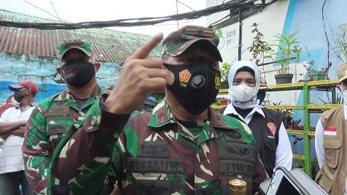 Warga dari Maluku Tengah Diarahkan ke RSUD Umarella Untuk Divaksinasi Sebelum Masuk Ke Kota Ambon