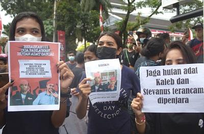 Aksi Demo Dilakukan GMKI Cabang Ambon di Depan Kantor Kejati Maluku