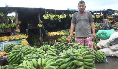 Harga Pangan Lokal Mengalami Penurunan di Pasar Mardika dan Batu Merah