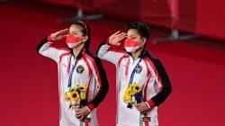 Ganda Putri Indonesia Greysia Polii/Apryani Rahayu Menyabet Medali Emas di Olimpiade 2020