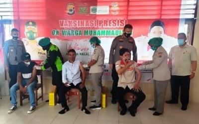 Vaksinasi Presisi, Polda Maluku Sasar Warga Muhammadiyah