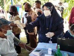 Bupati Maluku Tengah Tinjau Pelaksanaan Vaksinasi Massal di Kecamatan Saparua