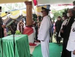 Bupati Malteng Tuasikal Abua Lantik Kepala Pemerintah Negeri Waraka